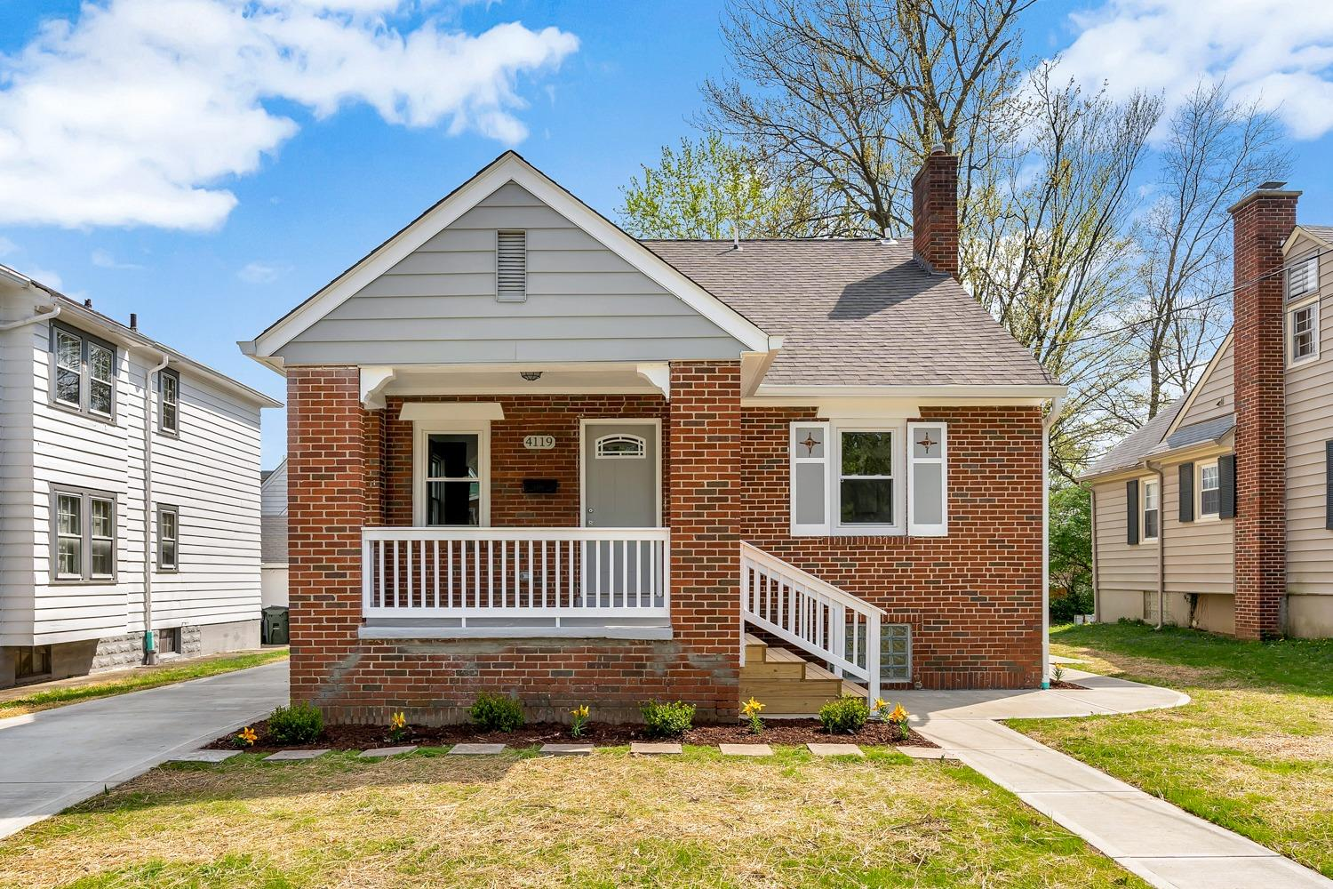 4119 St James Ave Silverton, OH