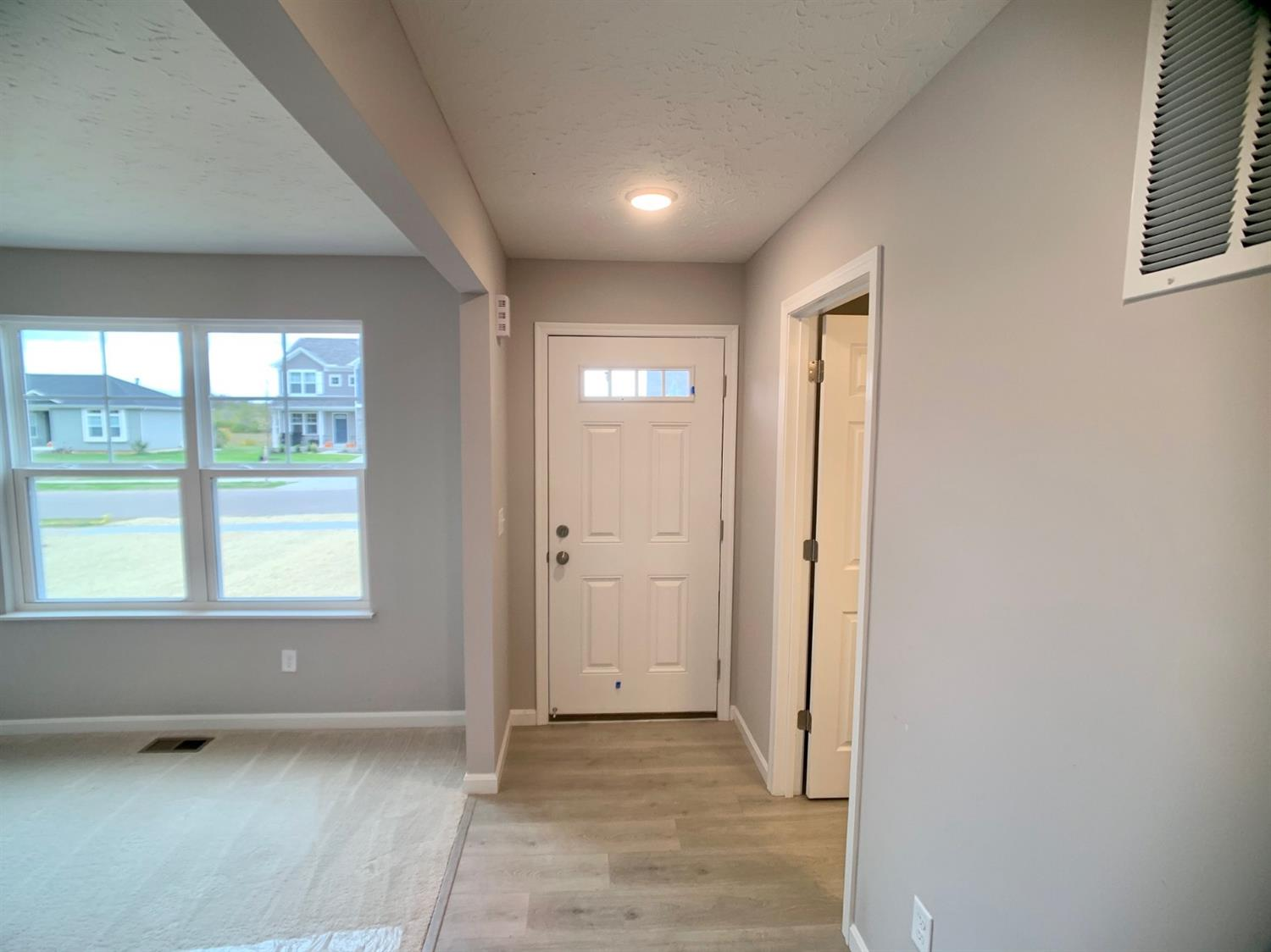 Photo 2 for 1082 Marty Lee Ln Carlisle, OH 45005