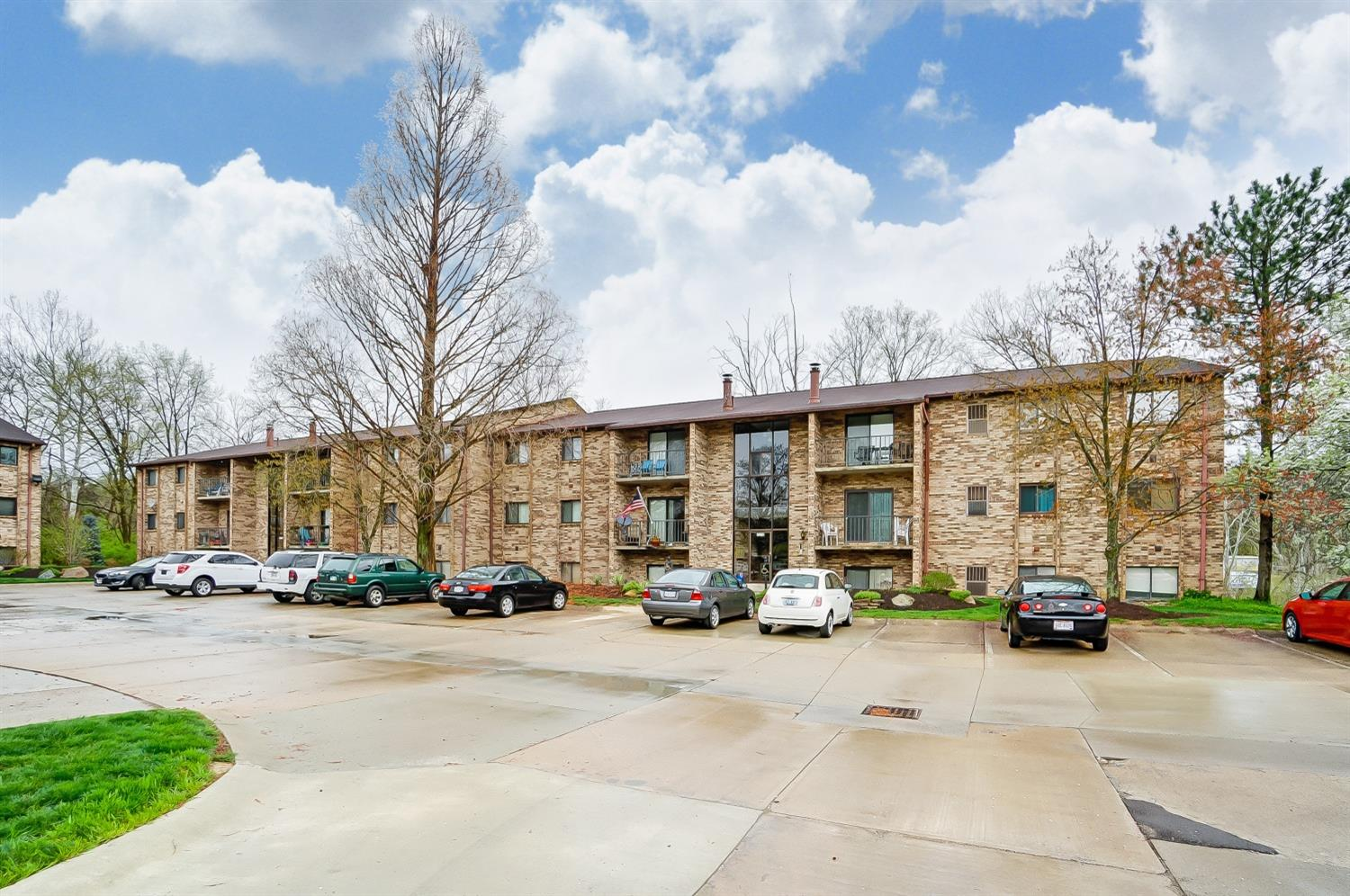 7210 Creekview Dr #11