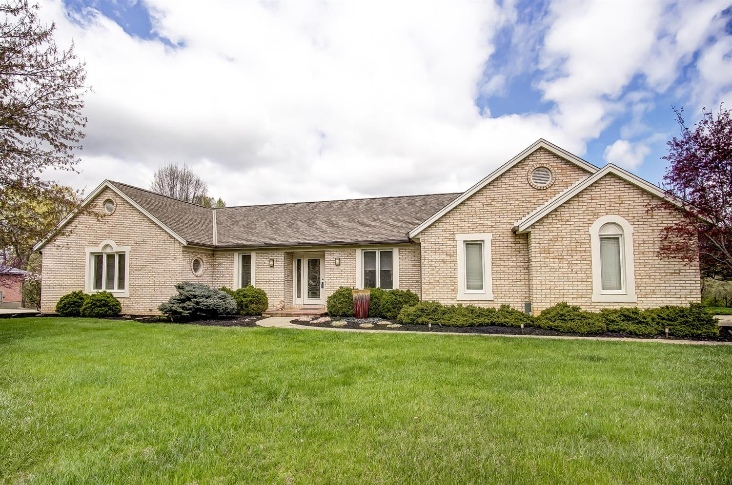 Photo 2 for 11872 Miamitrail Ct Colerain Twp.West, OH 45252
