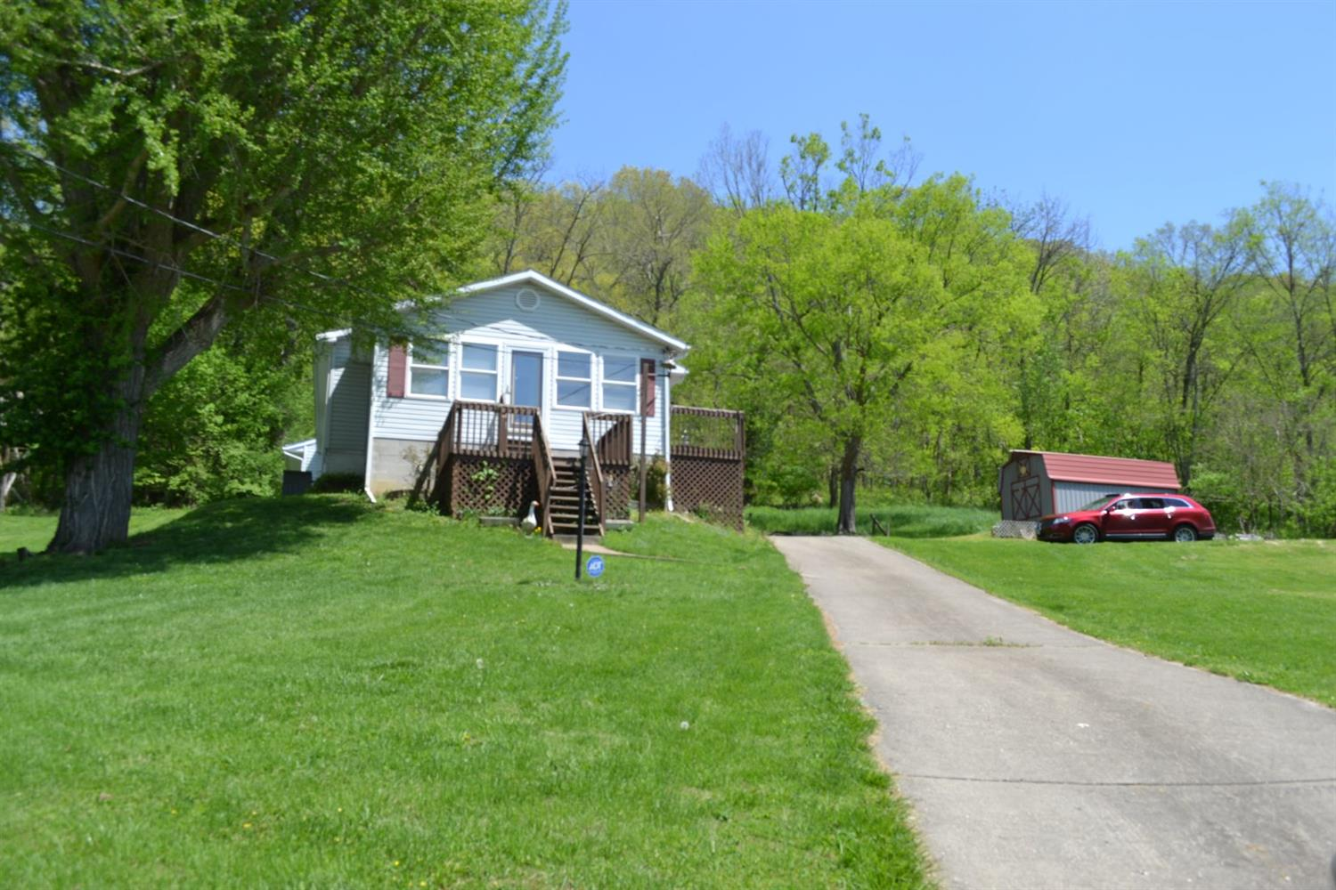 Photo 1 for 870 Market St Huntington Twp., OH 45101