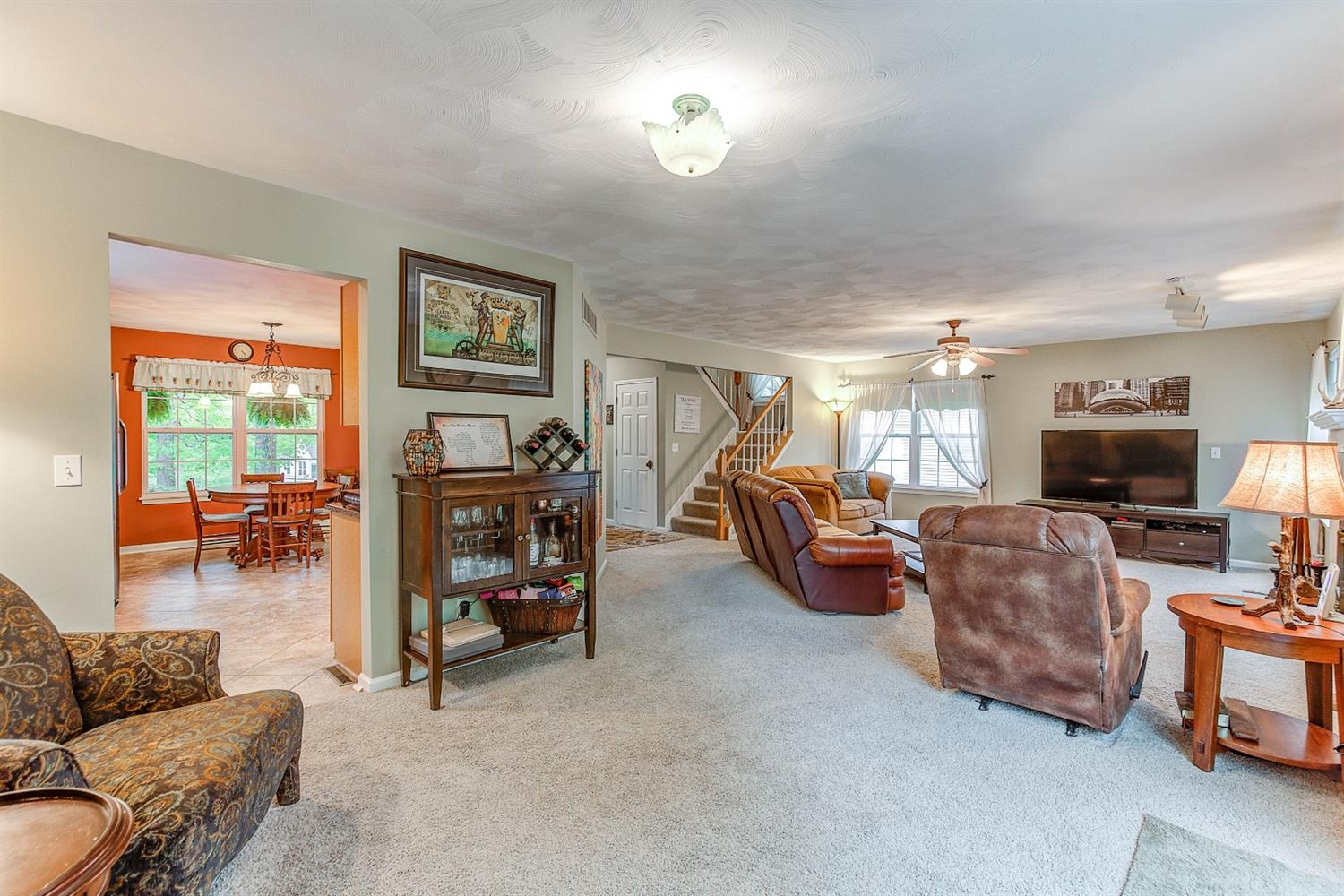 Photo 3 for 702 Windemere Hill Hidden Valley, IN 47025
