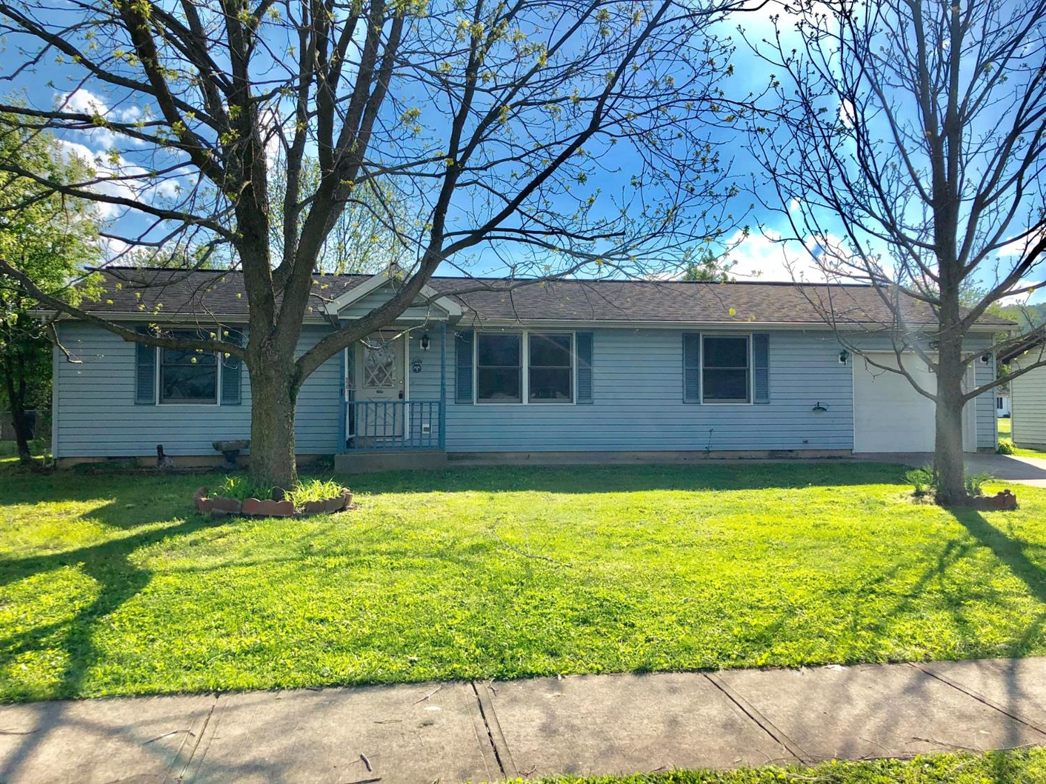 Photo 1 for 109 Maple St Vevay, IN 47043