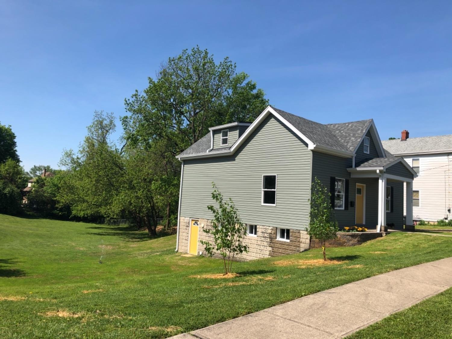 Photo 3 for 3511 Mozart Ave Cheviot, OH 45211