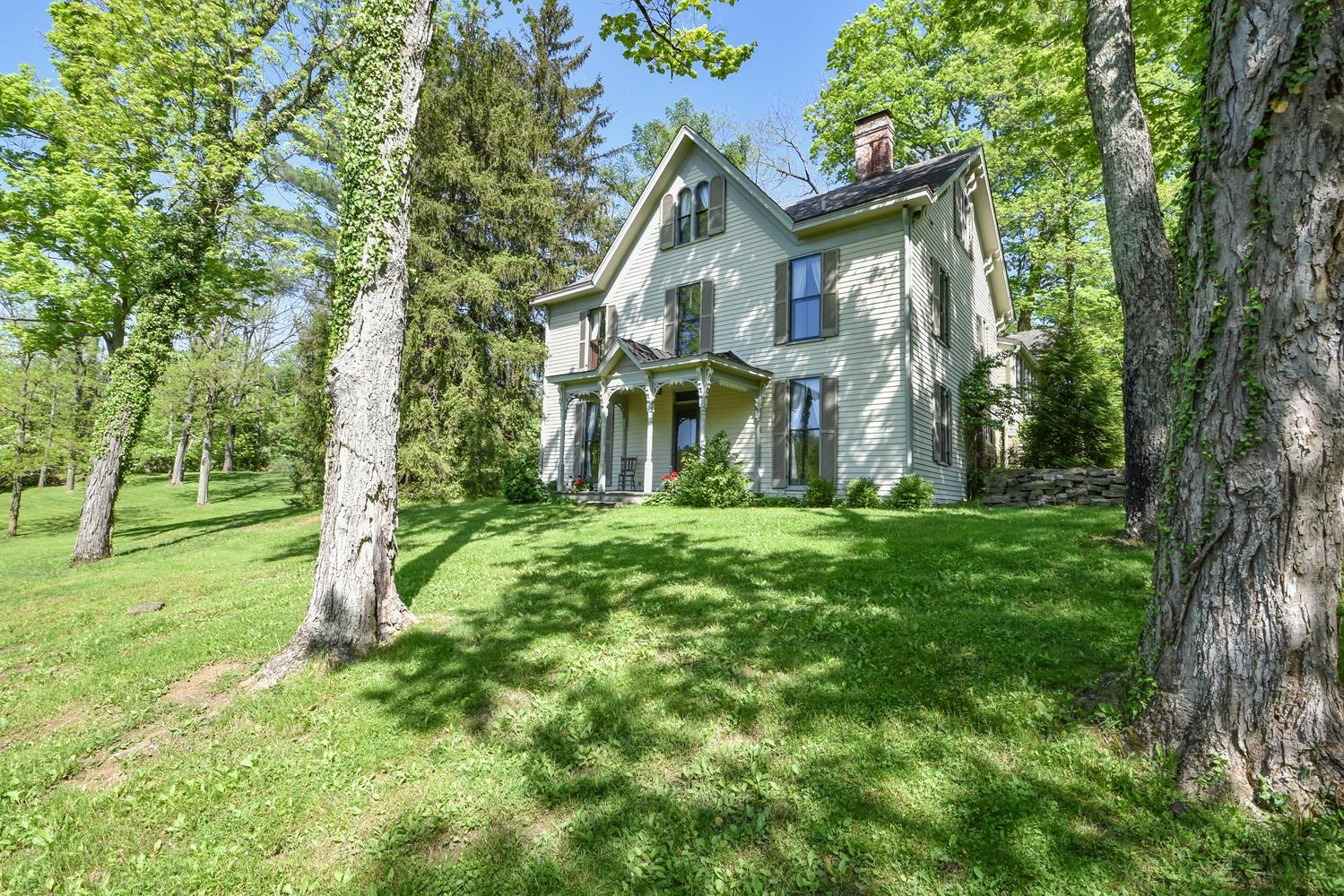 Photo 3 for 8315 Camargo Rd Indian Hill, OH 45243