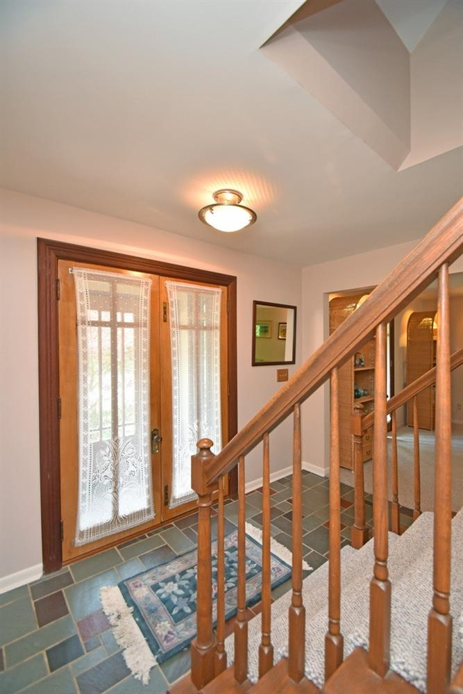 Photo 2 for 432 Flembrook Ct Wyoming, OH 45231