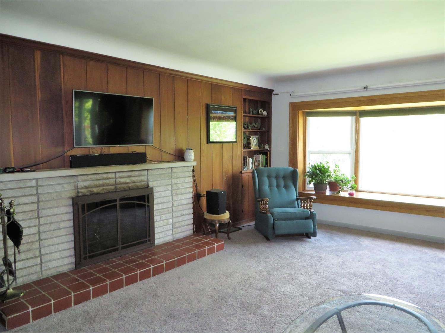 Photo 2 for 476 Beechtree Dr Finneytown, OH 45224