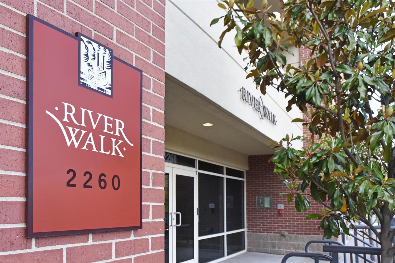 2260 Riverside Dr, 205