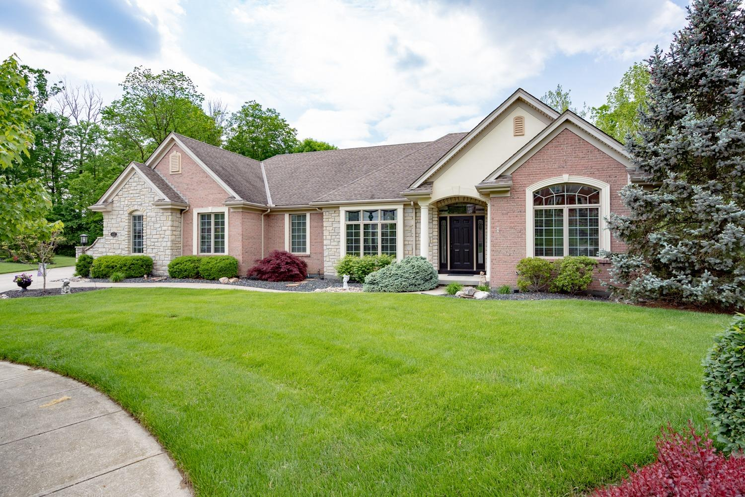 6102 Garden View Ct Monfort Hts., OH