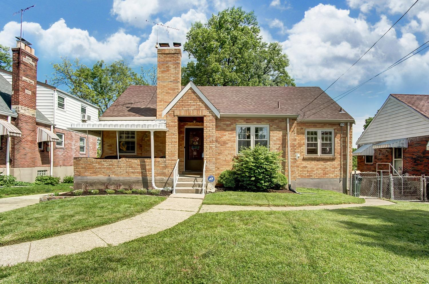 Photo 1 for 4394 Homelawn Ave Bridgetown, OH 45211