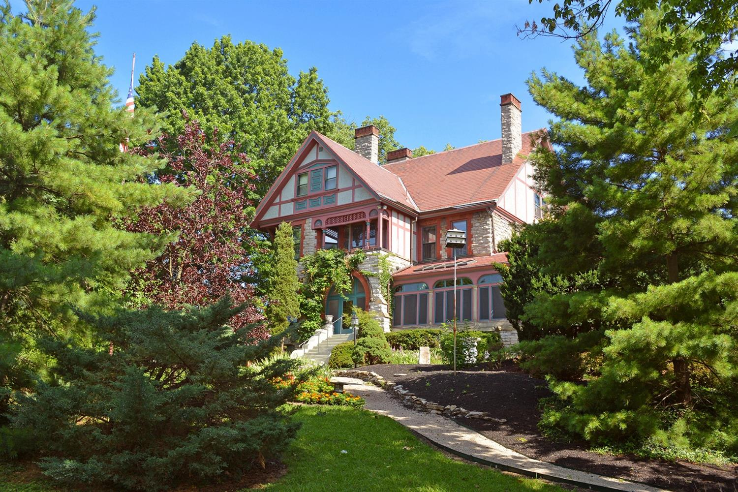 3408 Manor Hill Dr Clifton, OH