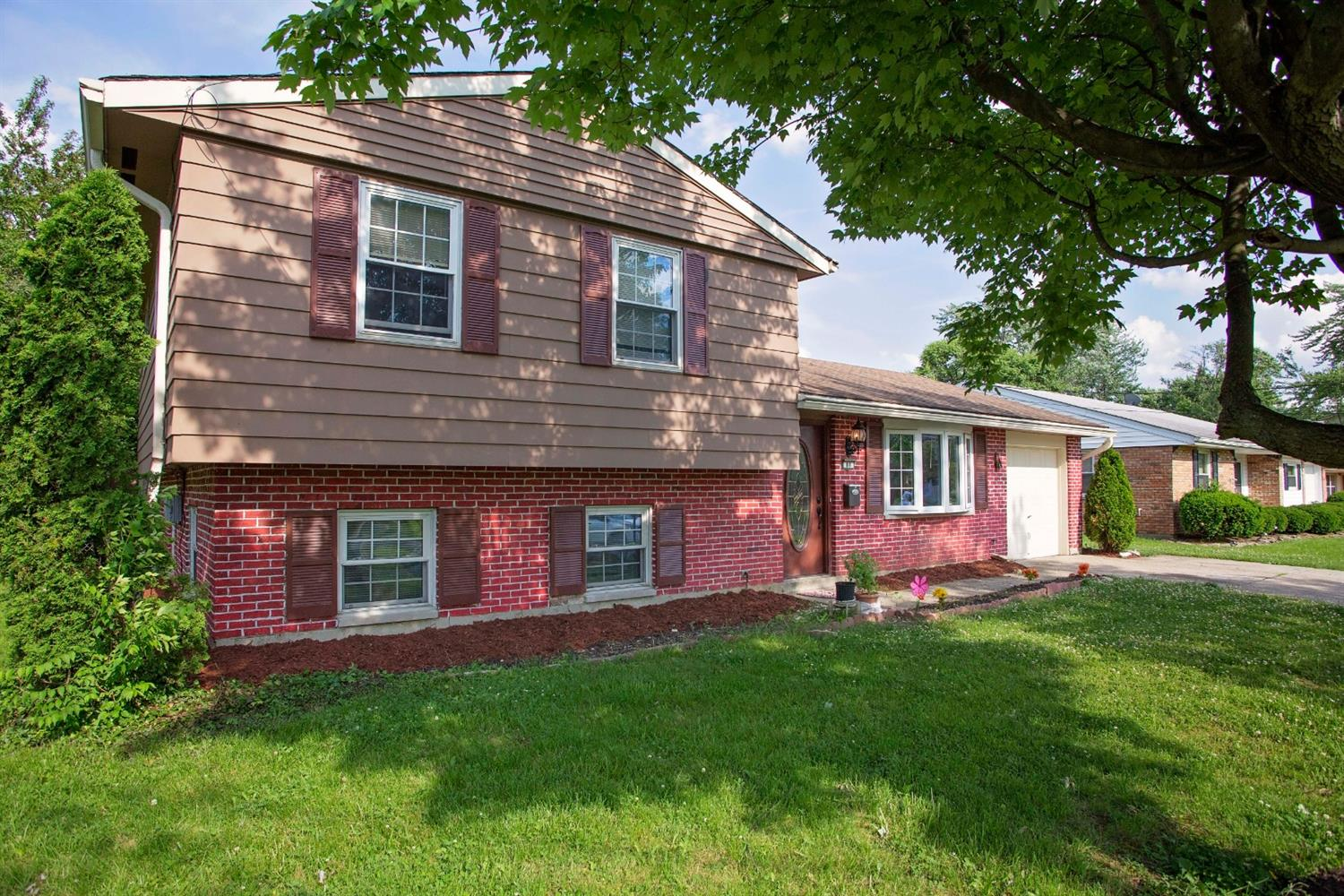 Photo 2 for 88 Silverwood Cir Springdale, OH 45246