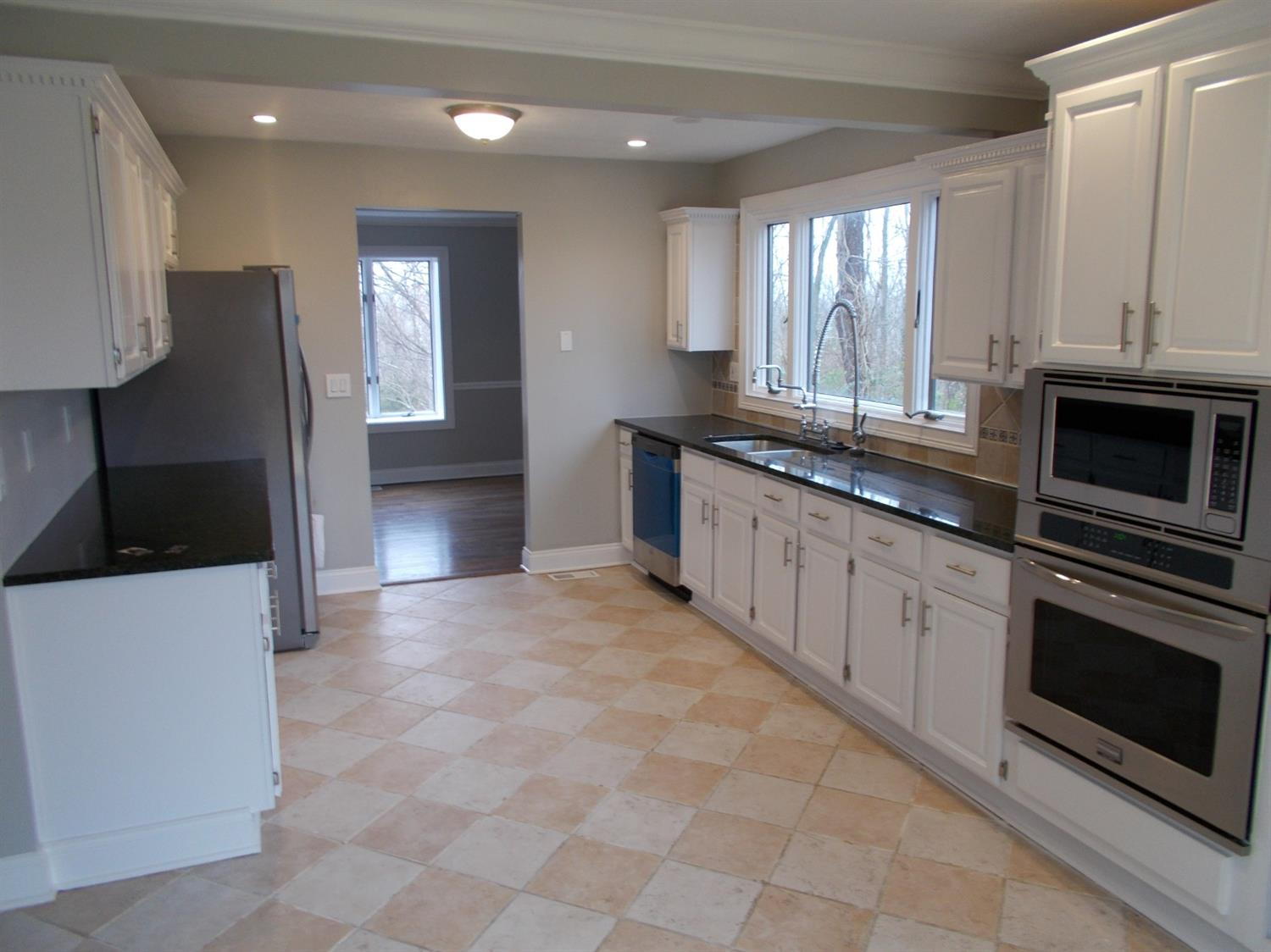 Photo 2 for 1121 Hanover Dr Hidden Valley, IN 47025