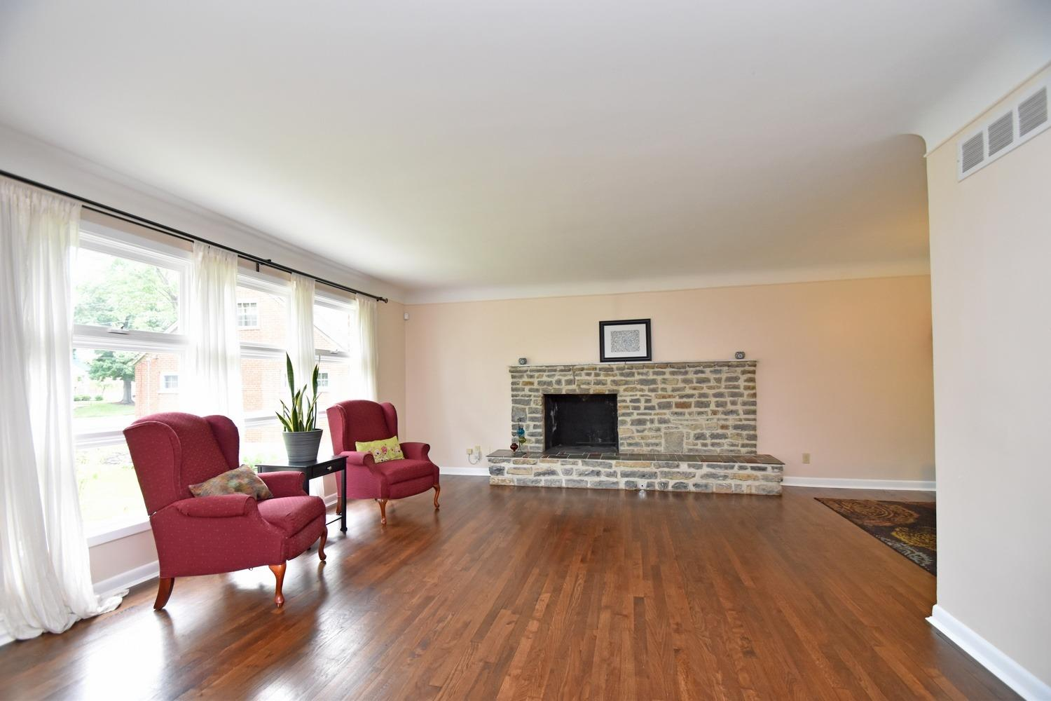 Photo 3 for 1009 Springbrook Dr College Hill, OH 45224