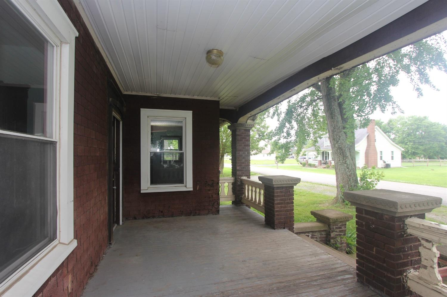 Photo 3 for 211 E Humber St Perry Twp., OH 45118
