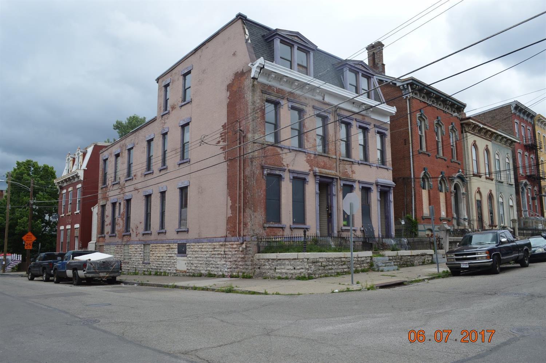 1034 Dayton St