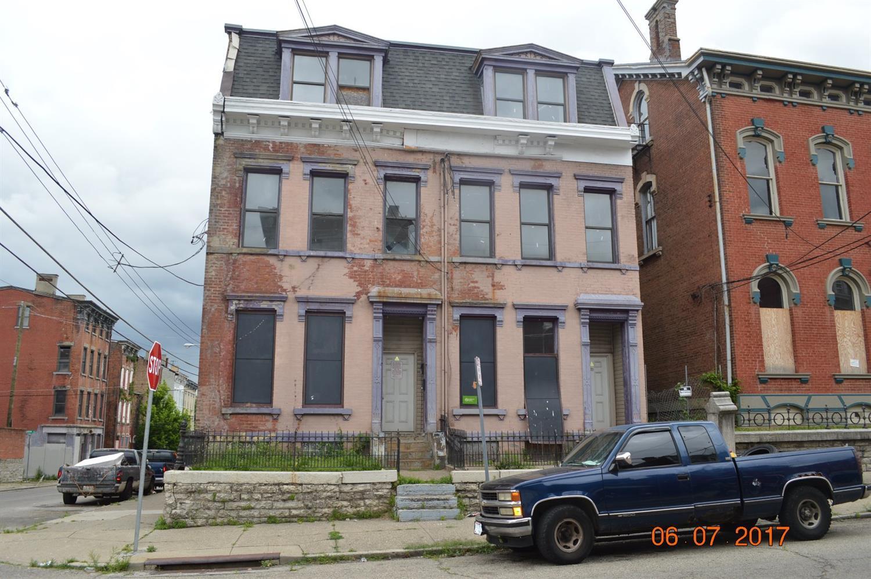 1036 Dayton St
