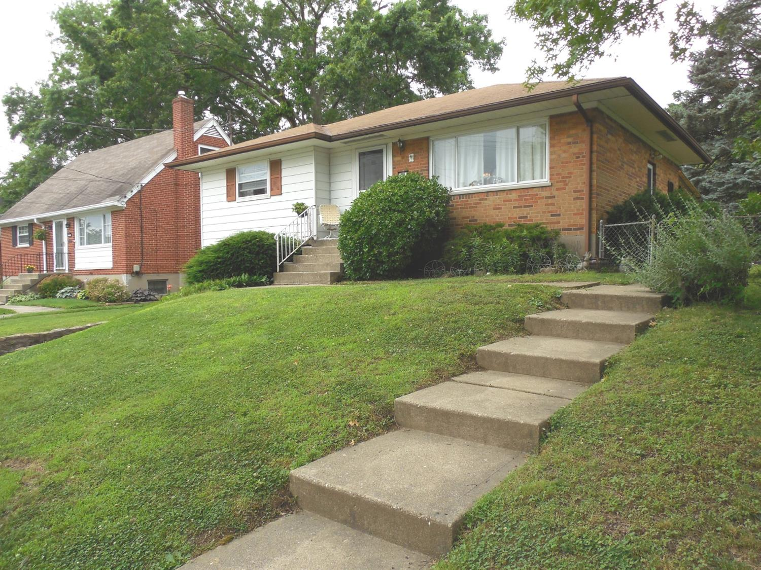 Photo 2 for 3281 Greenway Ave Bridgetown, OH 45248