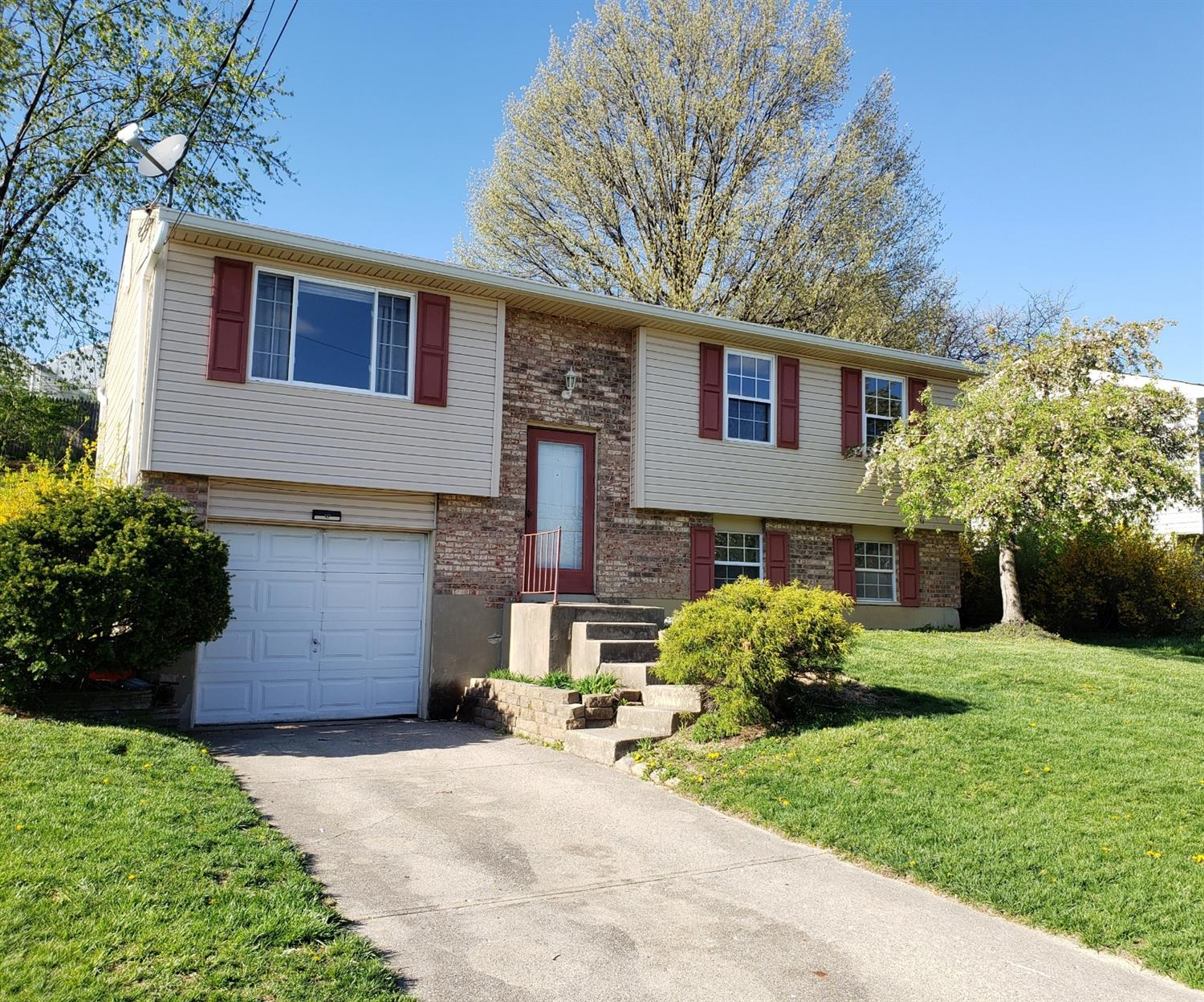 Photo 2 for 4466 Valence Dr Delhi Twp., OH 45238