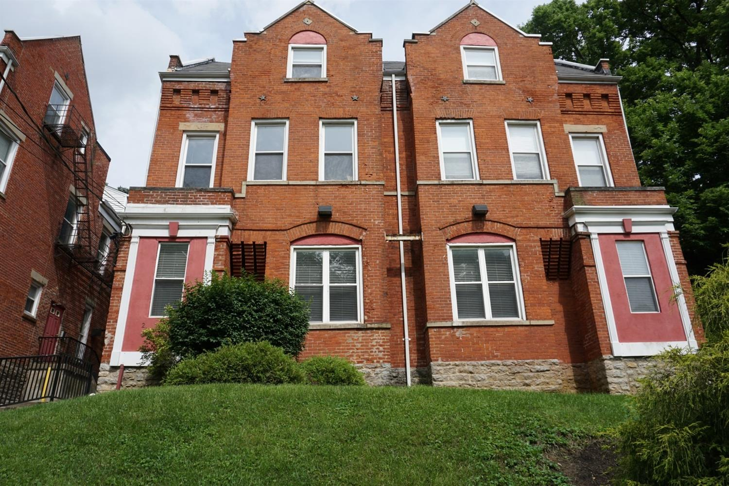 Photo 1 for 2100 Fulton Ave #6 Walnut Hills, OH 45206