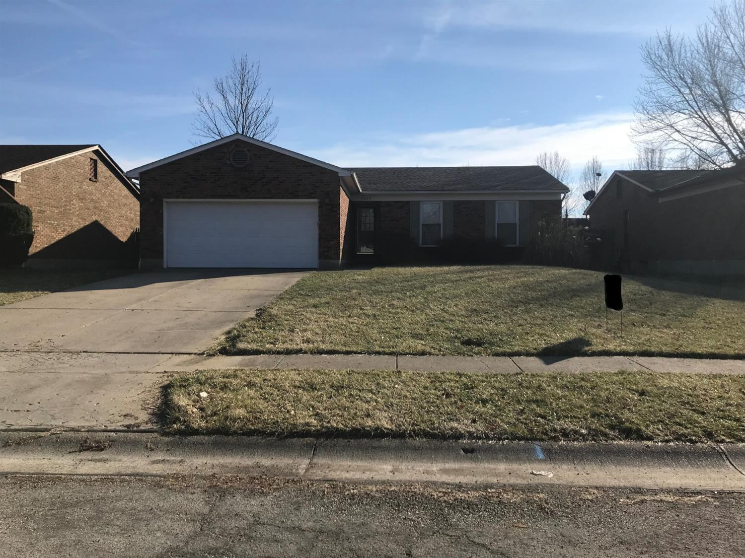 2889 Commodore Dr Groesbeck, OH