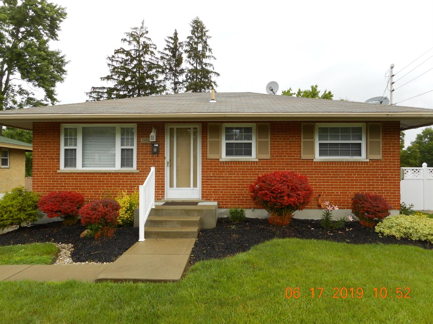 Photo 3 for 3388 Lakemeadow Ct White Oak, OH 45239