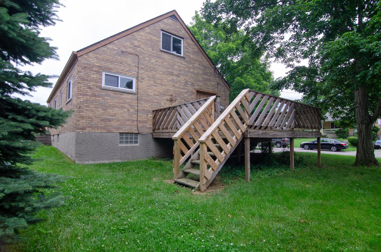 Photo 2 for 1026 Harbury Dr Finneytown, OH 45224