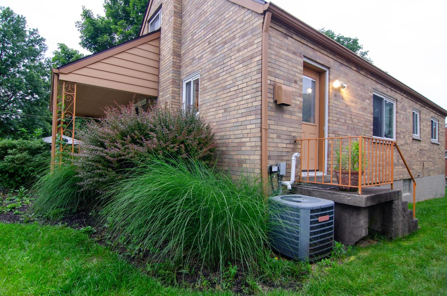Photo 3 for 1026 Harbury Dr Finneytown, OH 45224