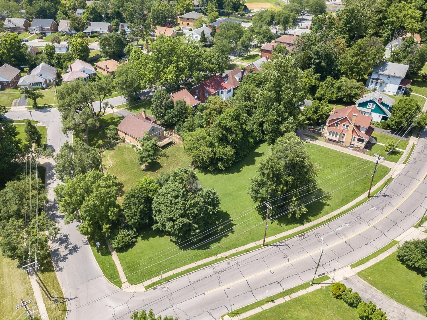 Photo 2 for 5815 Kennedy Ave Pleasant Ridge, OH 45213