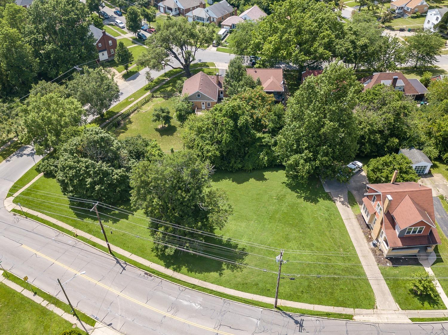 Photo 3 for 5815 Kennedy Ave Pleasant Ridge, OH 45213
