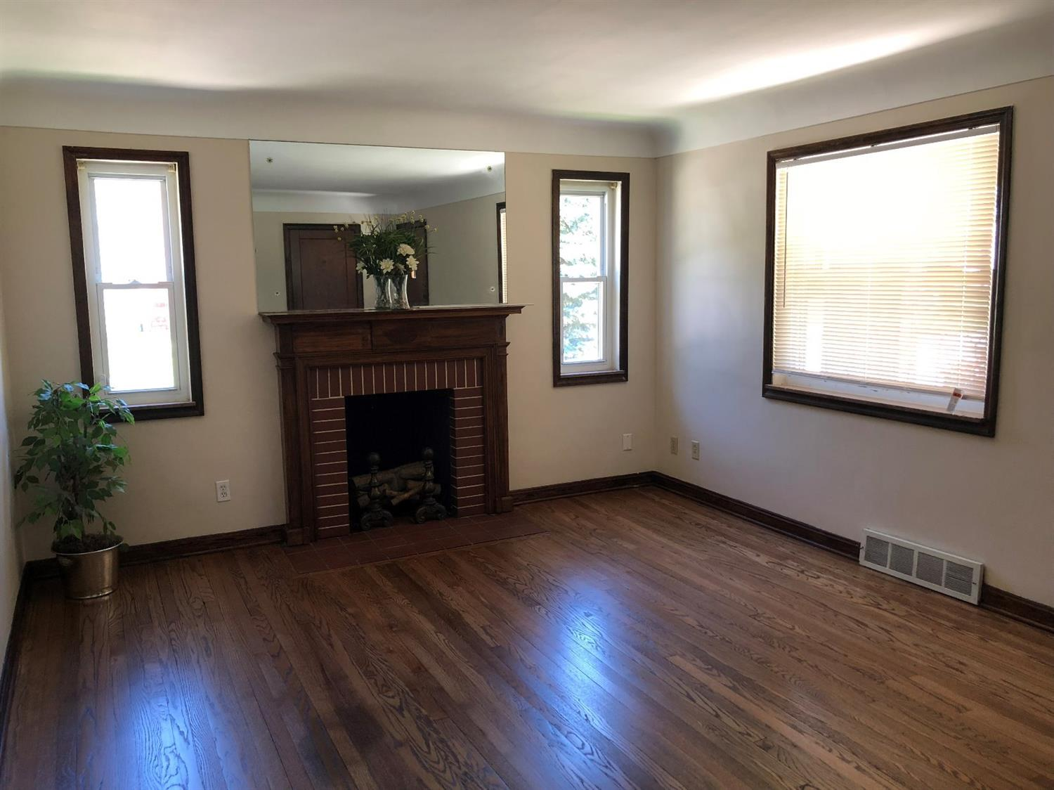 Photo 3 for 6355 Heitzler Ave College Hill, OH 45224