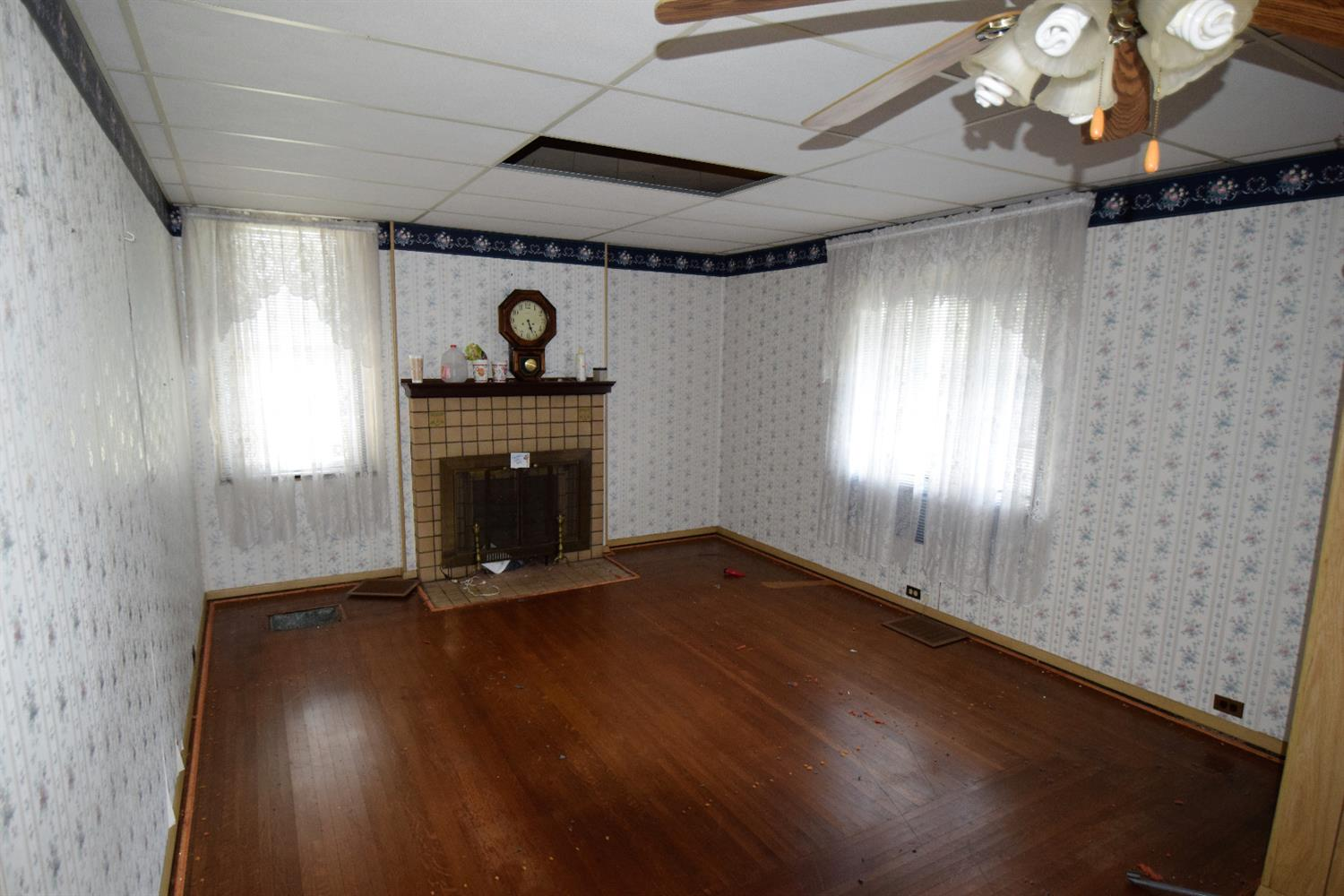Photo 2 for 650 Hawthorne Ave Price Hill, OH 45205