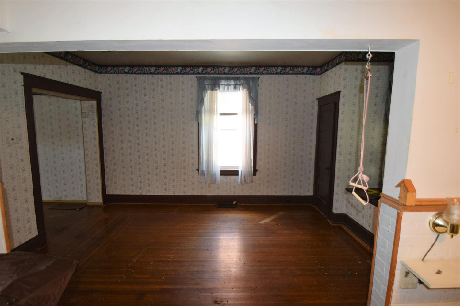 Photo 3 for 650 Hawthorne Ave Price Hill, OH 45205