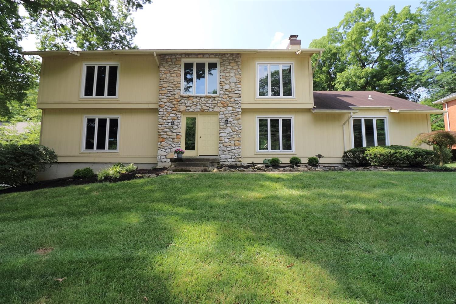 8485 Weller Rd Montgomery Oh 45249 Listing Details Mls