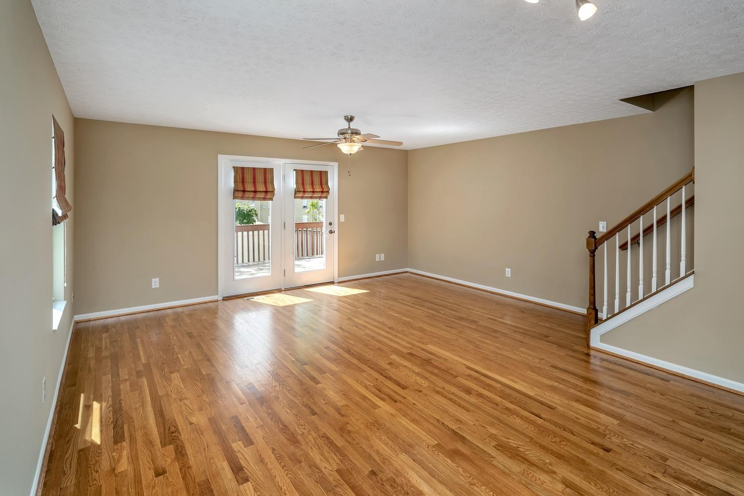 Photo 3 for 3033 Lavinia Ave, B Hyde Park, OH 45208