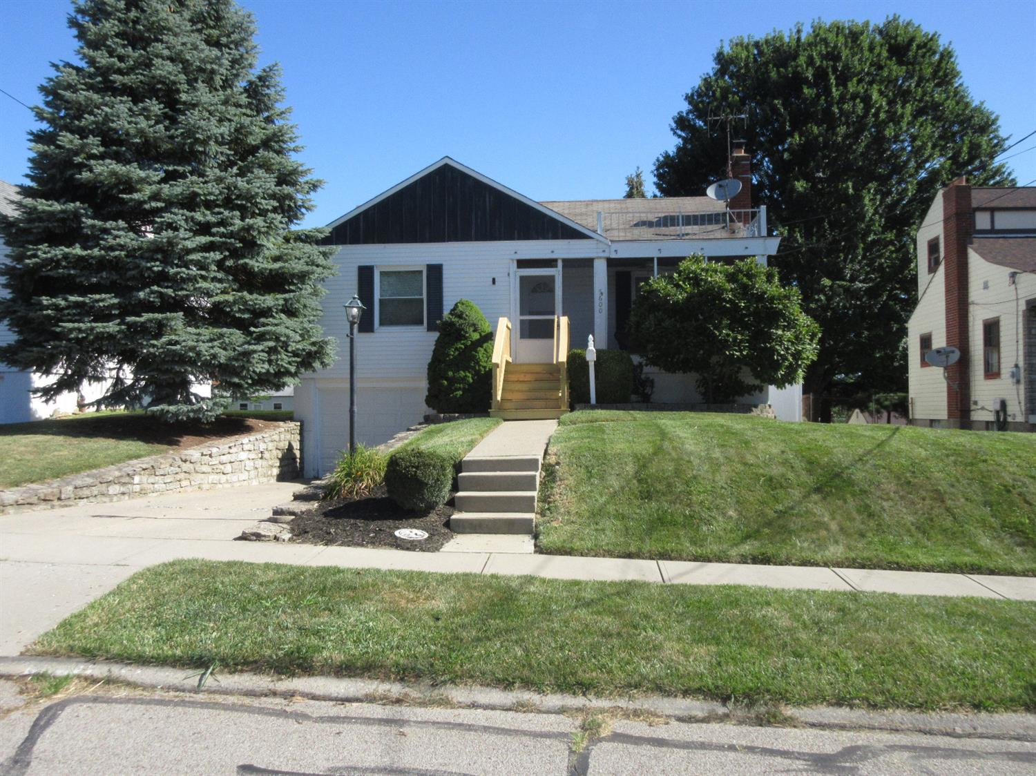 Photo 2 for 5600 Biscayne Ave Bridgetown, OH 45248