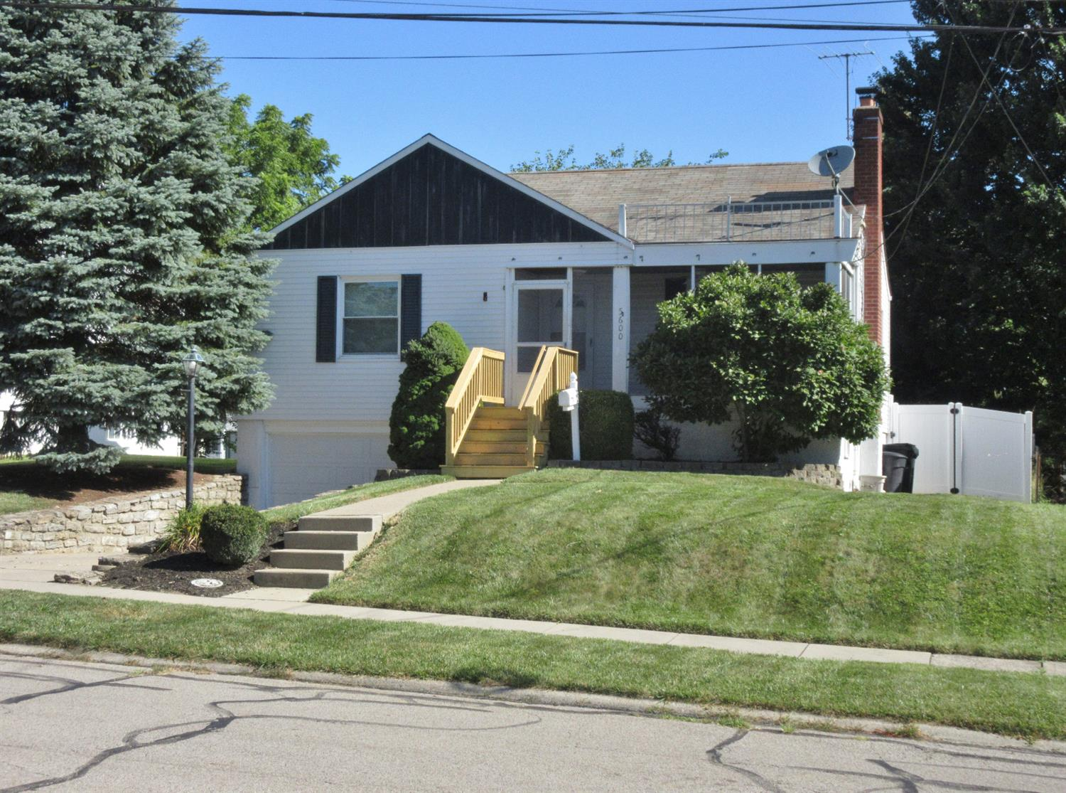 Photo 3 for 5600 Biscayne Ave Bridgetown, OH 45248