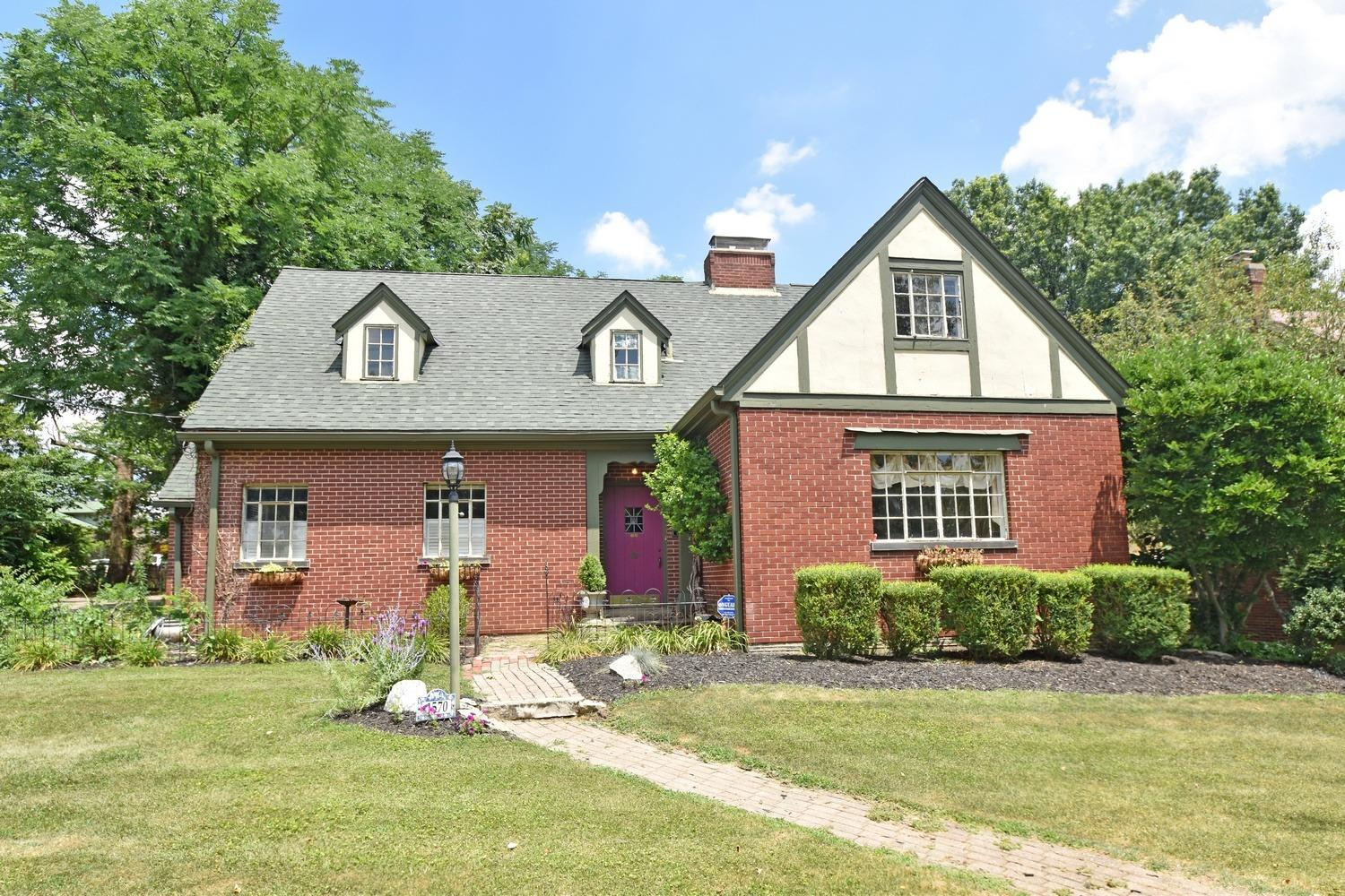 1570 Wittlou Ave College Hill, OH