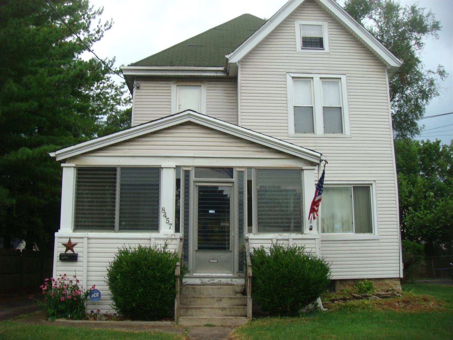 8457 Curzon Hartwell, OH