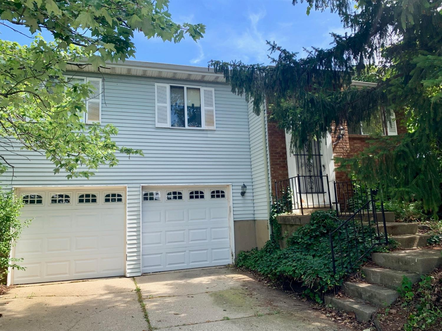 1552 Nathanial Dr Forest Park, OH