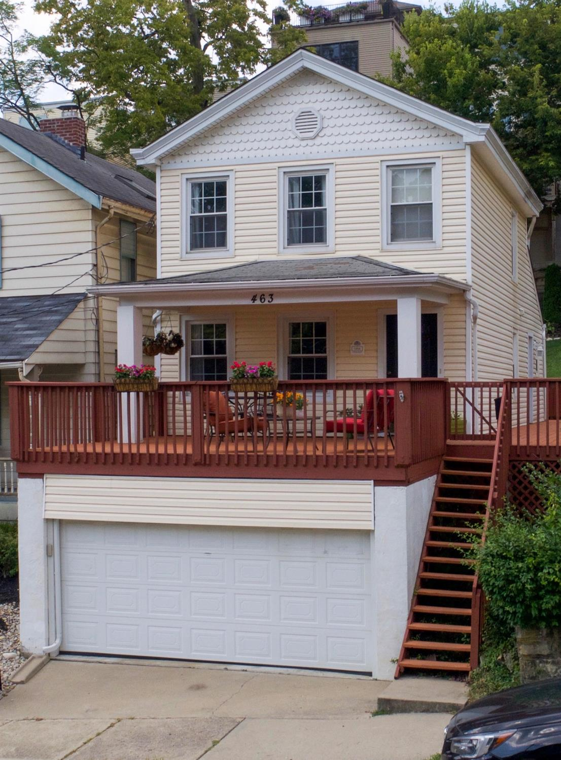 463 Stanley Ave Columbia/Tusculum, OH
