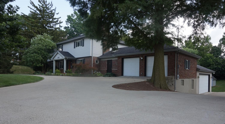 1133 W Galbraith Rd Finneytown, OH