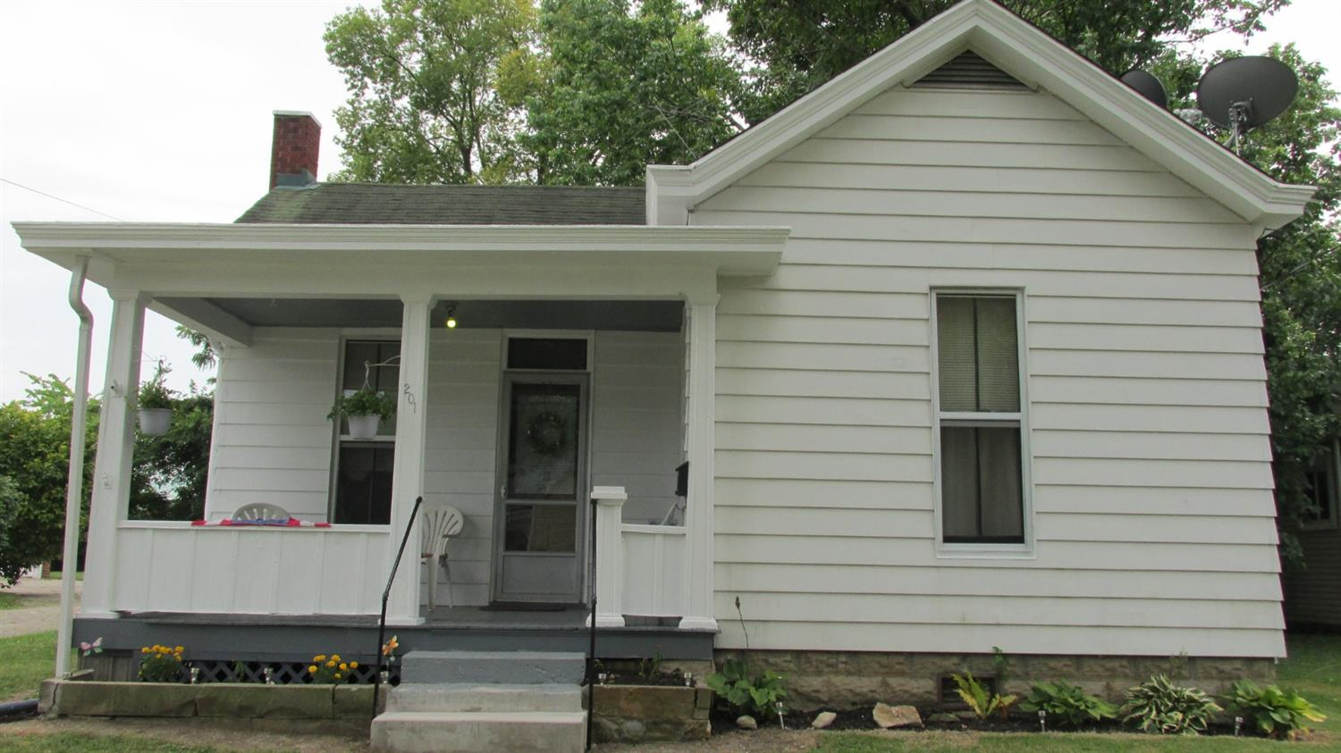 Photo 1 for 201 W Center St Blanchester, OH 45107