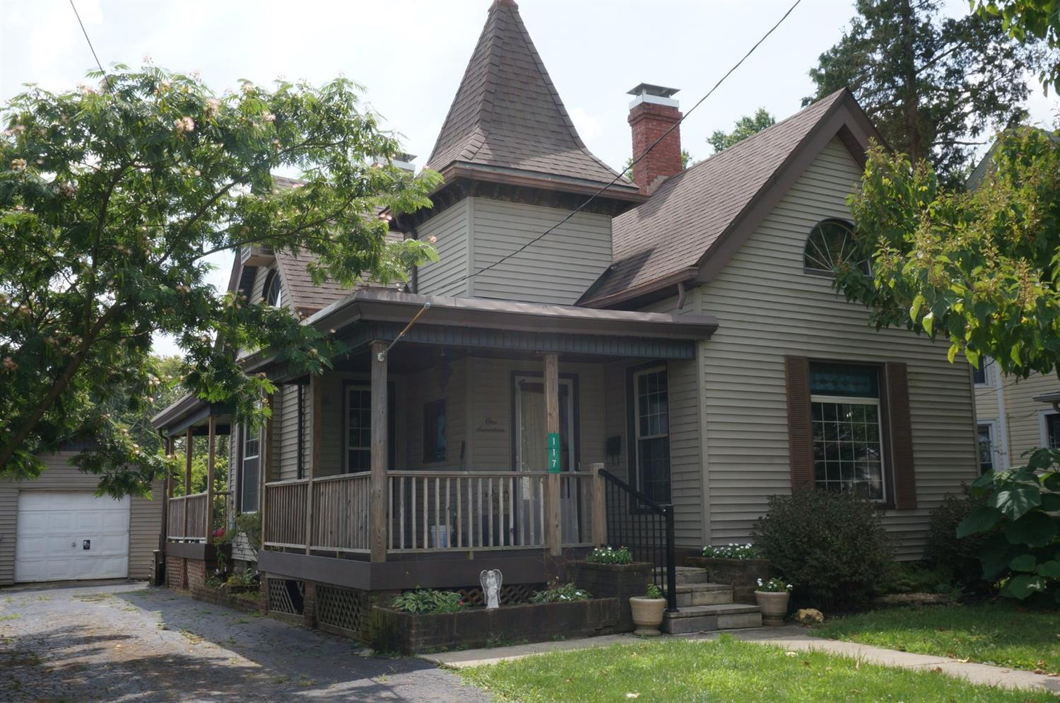 117 Bourbon St Blanchester, OH