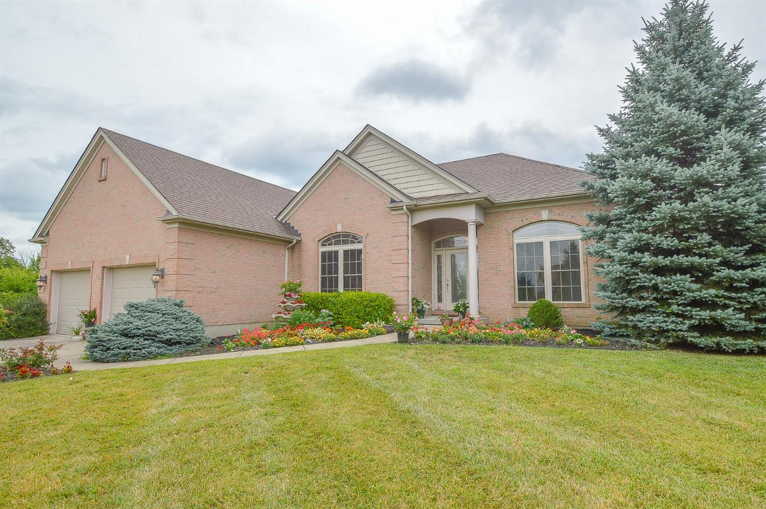 1545 Winford Ln Forest Park, OH