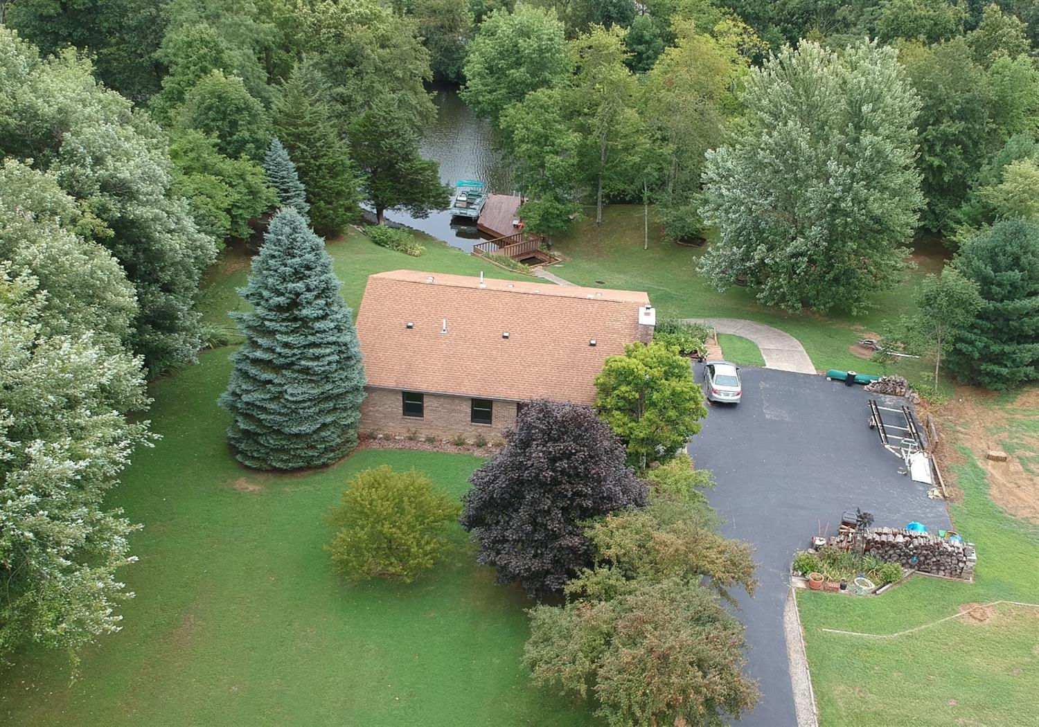 44 Commanche Dr Lake Waynoka, OH