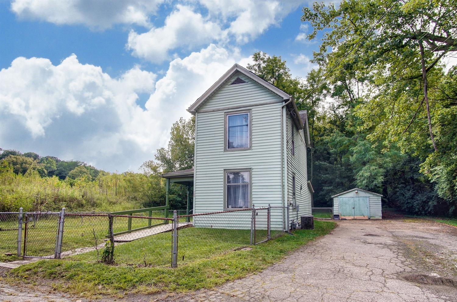 Photo 2 for 133 Mt Nebo Rd Cleves, OH 45002
