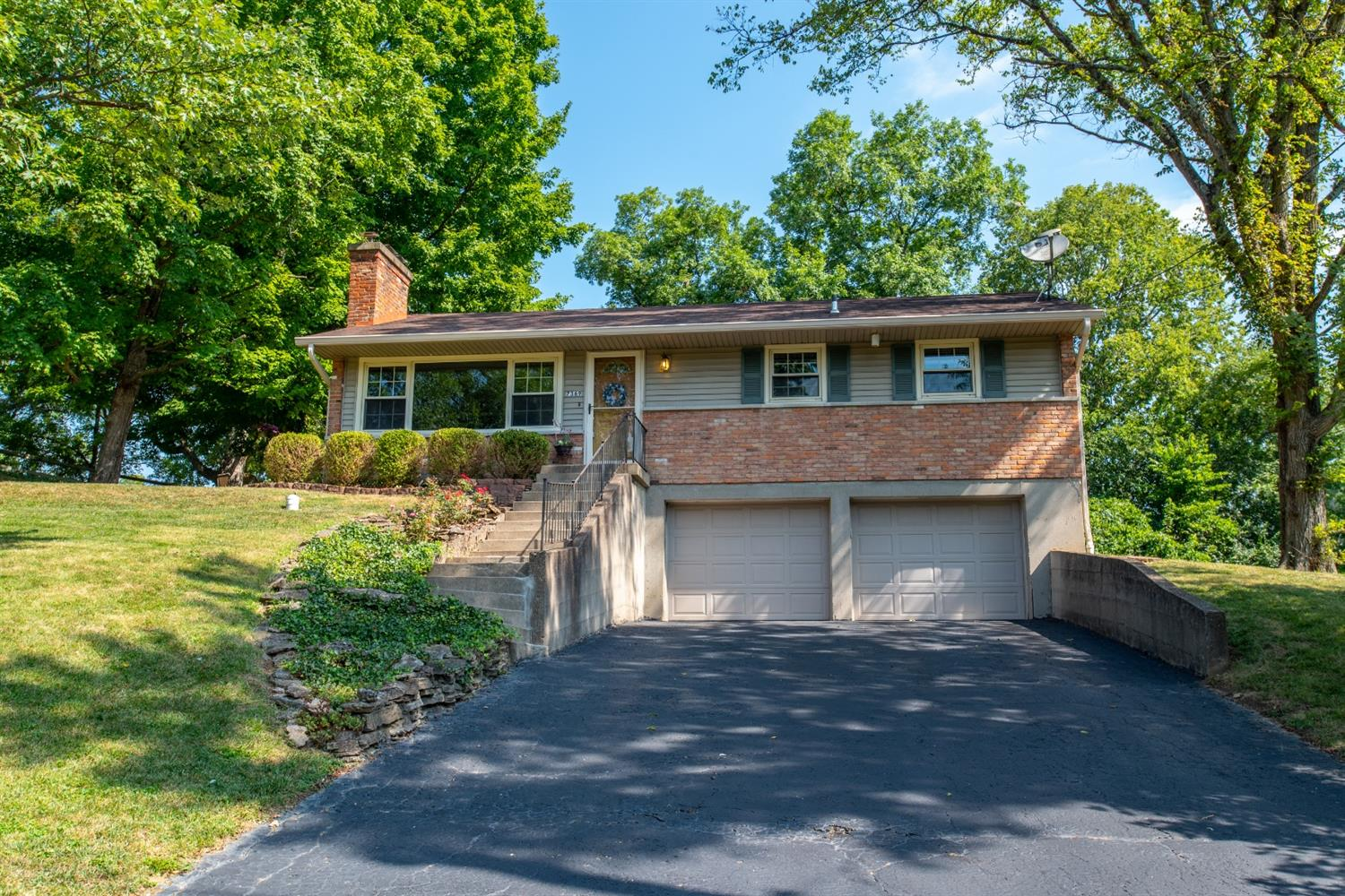 7369 Commonwealth Dr Finneytown, OH