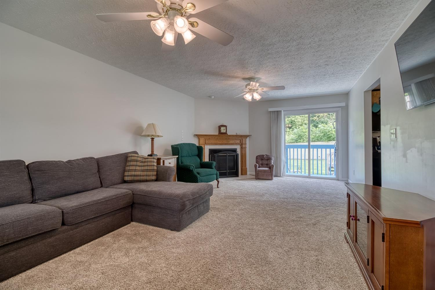 Photo 3 for 585 Riverbend Ct Fairfield, OH 45014