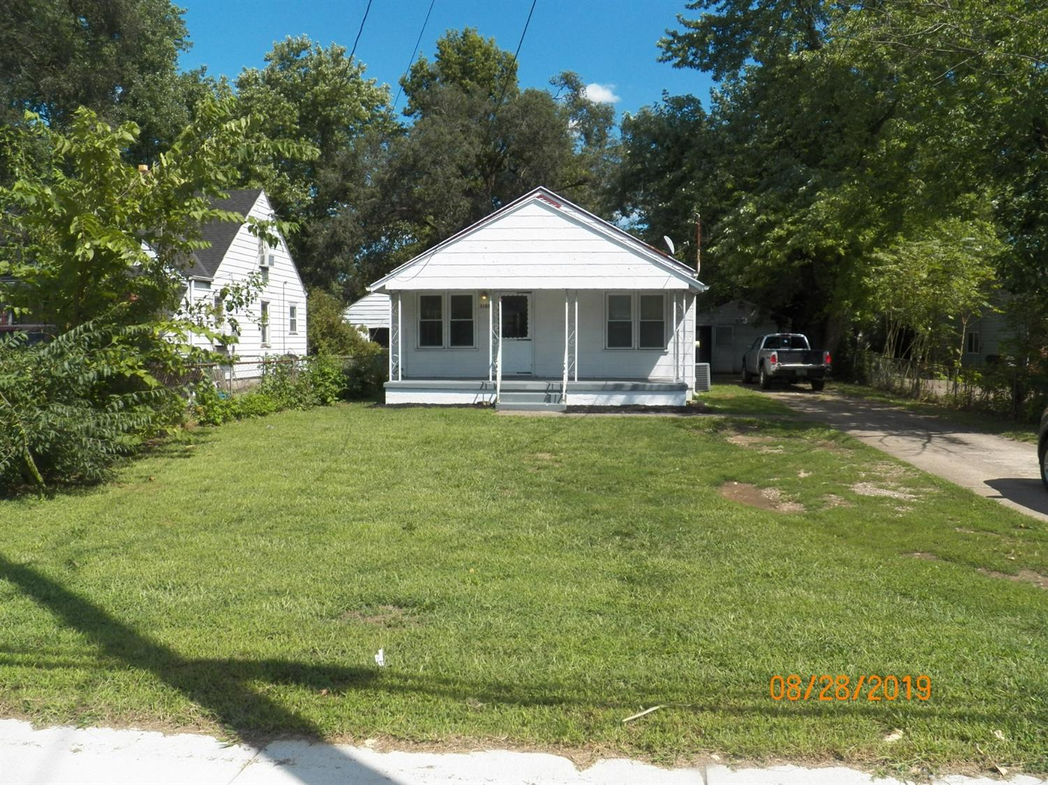 Photo 2 for 3103 Yankee Rd Middletown South, OH 45044